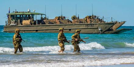 Soldiers from the 2nd Battalion, Royal Australian Regiment, approach Langham Beach, Queensland during Talisman Sabre 2019. Photo: Sergeant 1st Class Whitney C. Houston