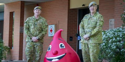 Command Sergeant Major Warrant Officer Class One John Letch, left, and Special Operations Commander for Australia Australian Army officer Major General Adam Findlay at the donor centre in Garran, Canberra. Photo: Corporal Sagi Biderman